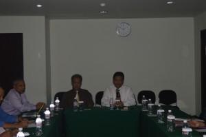 Dekan FKIP Unila sedang berdiskusi dengan para peserta Capacity Building Angkatan I