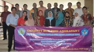 Para peserta yang mengikuti kegiatan Capacity Building Angkatan I yang diselenggarakan oleh FKIP Unila